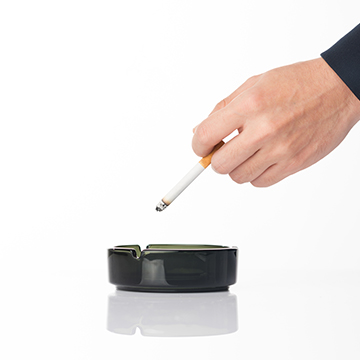 タバコは髪の生育に影響がある?禁煙で治る薄毛とは