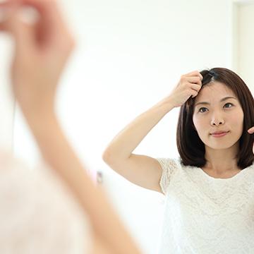 前髪の両サイドが薄い!男女で異なる原因と対策
