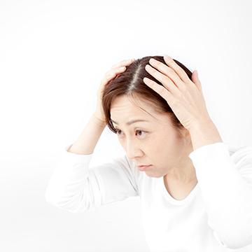 女性の薄毛はコレで改善!効果的な頭皮マッサージのやり方