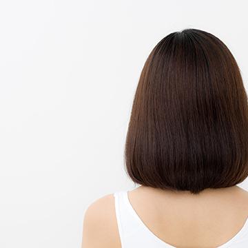 毛根&頭皮をケア!髪の毛を強くする方法とは