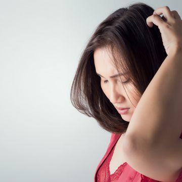頭皮にも化粧水は必要?頭皮用化粧水の選び方や使い方を解説!