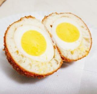 卵まるごと入ってるパン